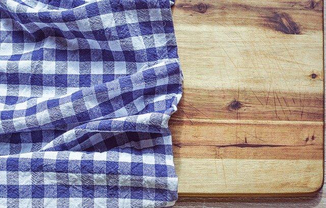 Jak dbać o deski do krojenia